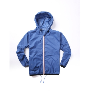 Colorful zipper rainwear with tape seam